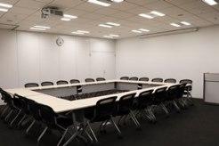 JISA会議室3(3名掛24名まで)