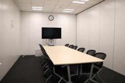JISA会議室1(3名掛12名まで)
