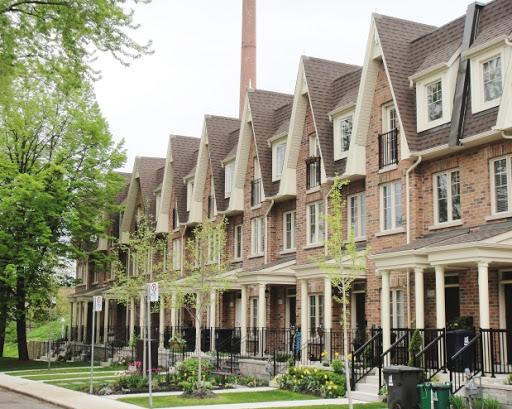 Example of row housing.
