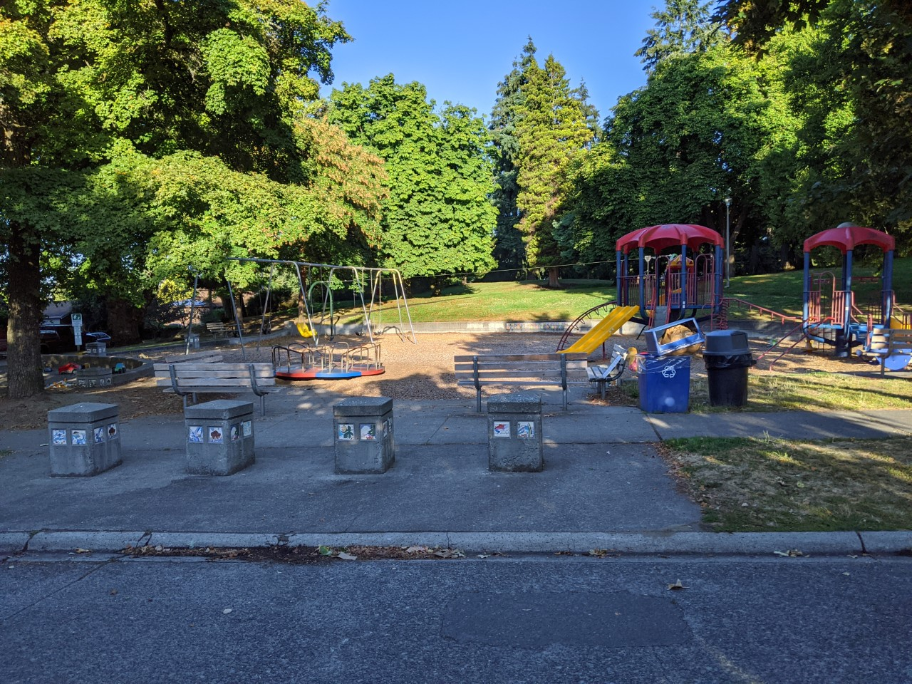 Salmon Bay Park play area - existing site