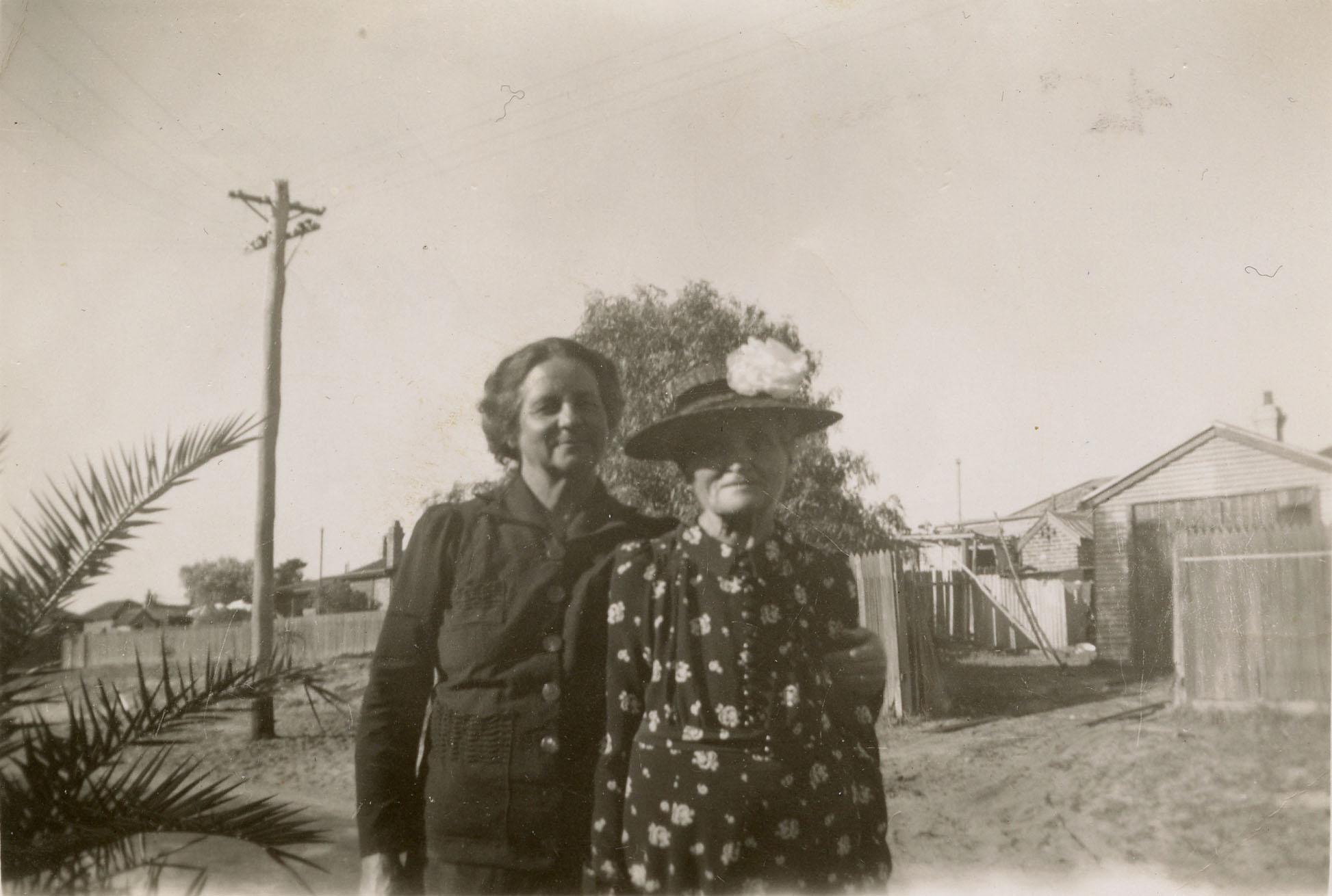 18. Peach Street residents, 1941