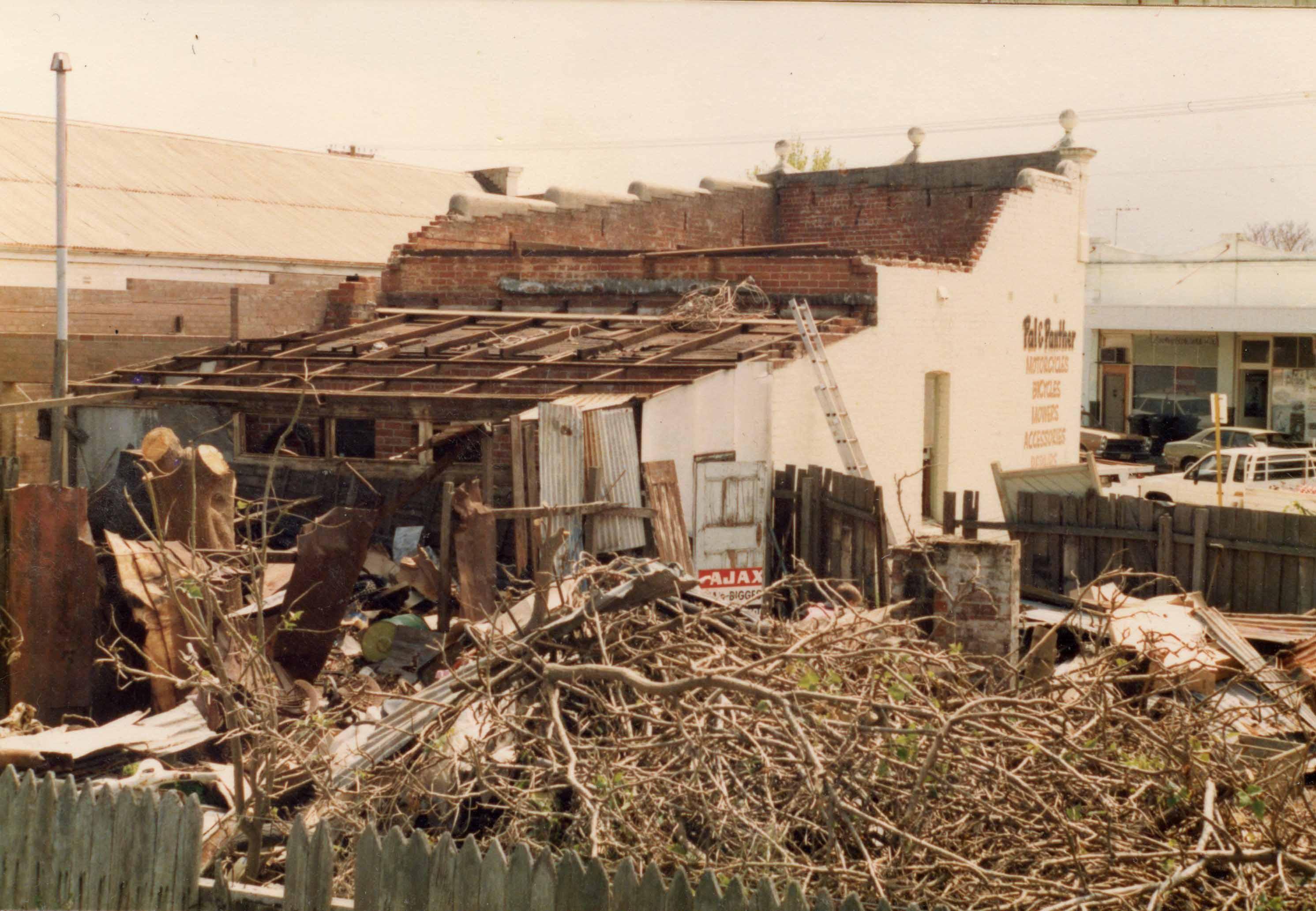156. Demolition of 29 Angove 1988