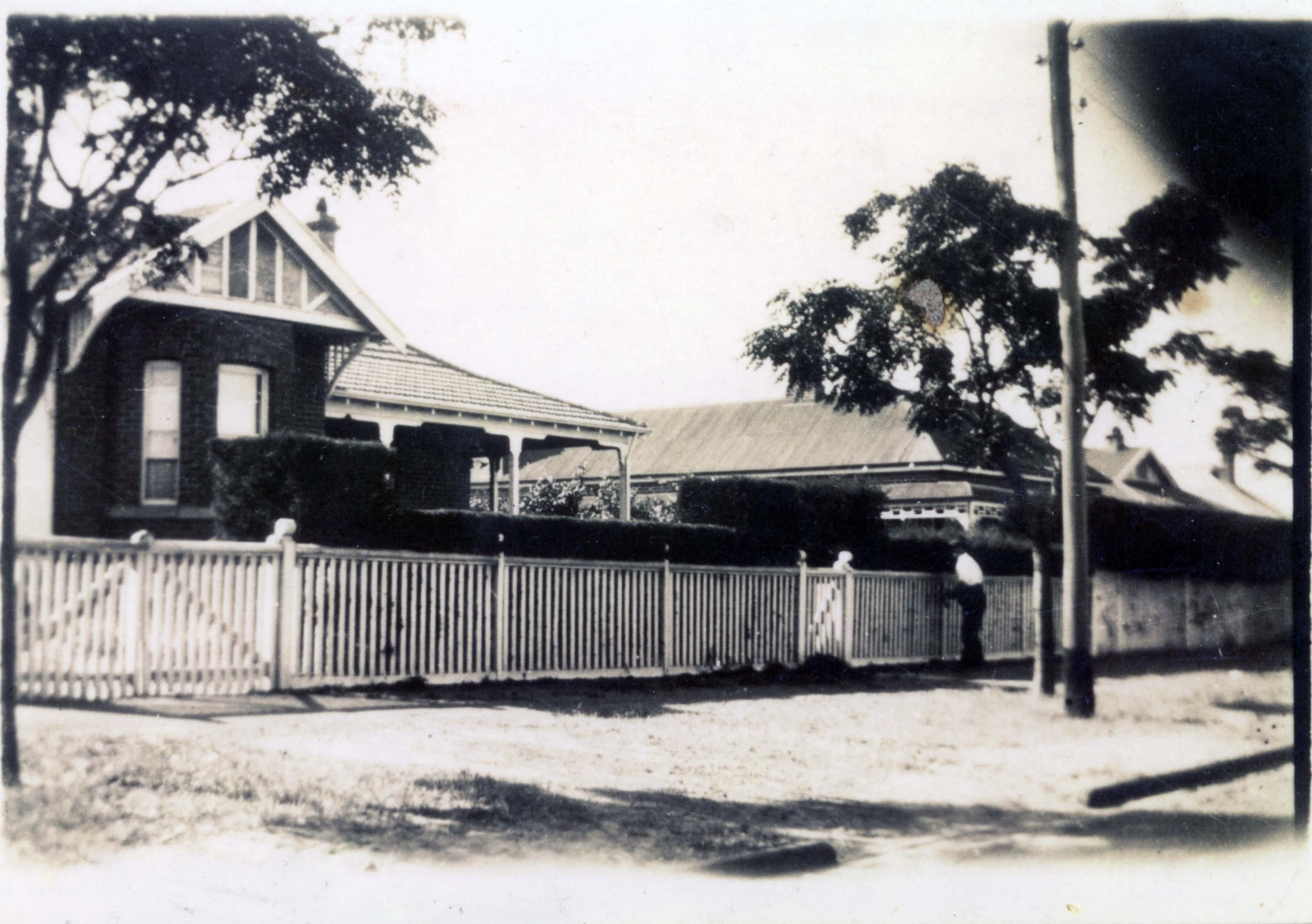 105. 10 Strathcona St W Perth, 1930