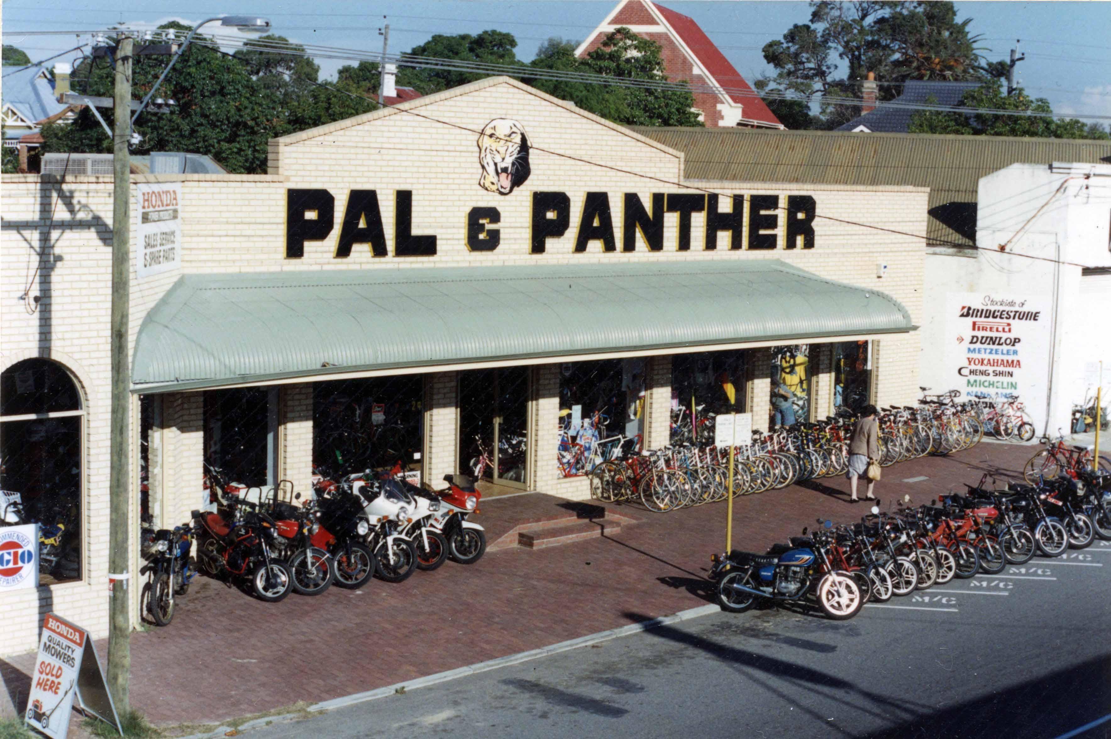 158. Pan & Panther 29 Angove, 1988