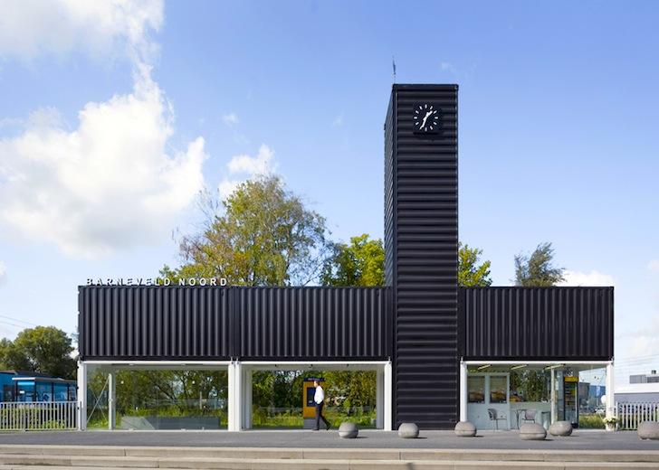 """<strong>A.</strong> <span style=""""font-size: 10pt;"""">Zcela nová nádražní budova, možné využití i jako autobusová zastávka.</span>"""